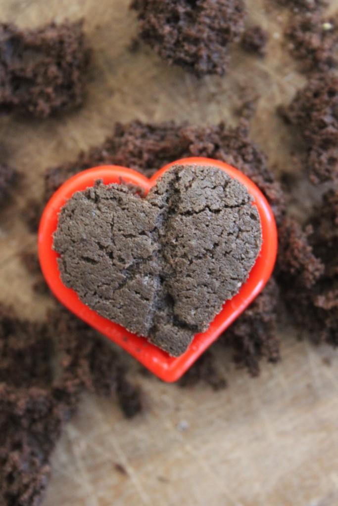 chocolate cake heart