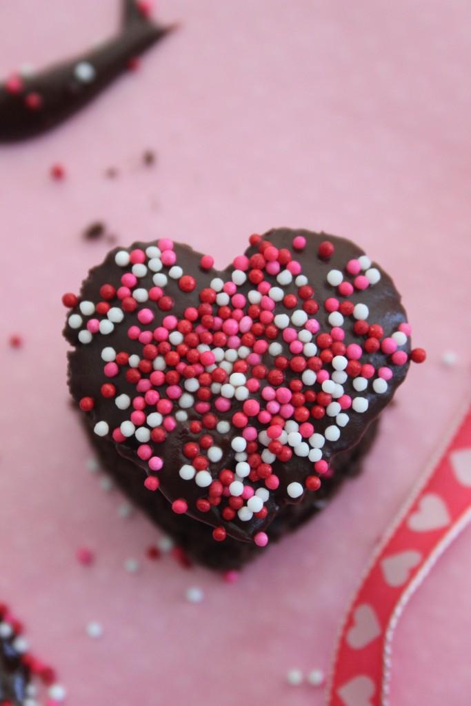 valentine petit four chocolate heart
