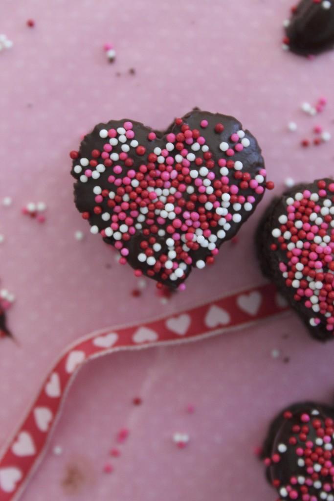 valentine sprinkles heart cake