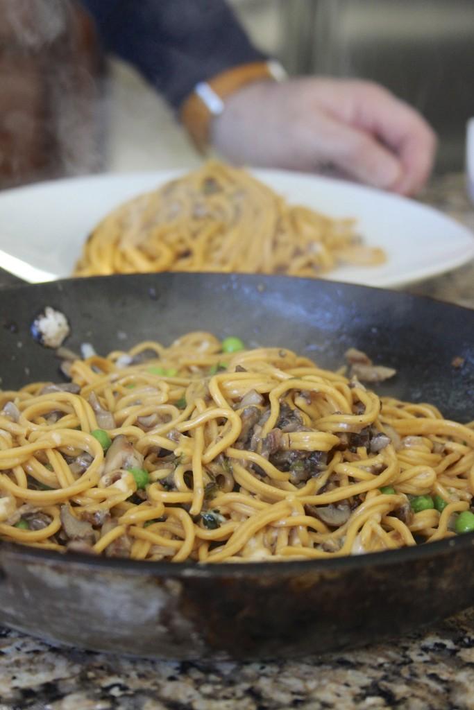 paprika pasta with peas
